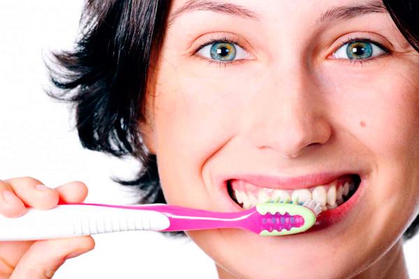 Una boca saludable para sonreír sin problemas