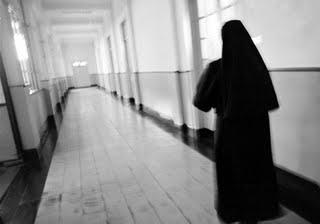 Ex novicia denunció abusos en la escuela de monjas del colegio Santa Rosa