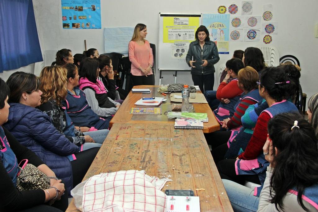 Capacitan a docentes de jardines maternales para la prevención de las hepatitis